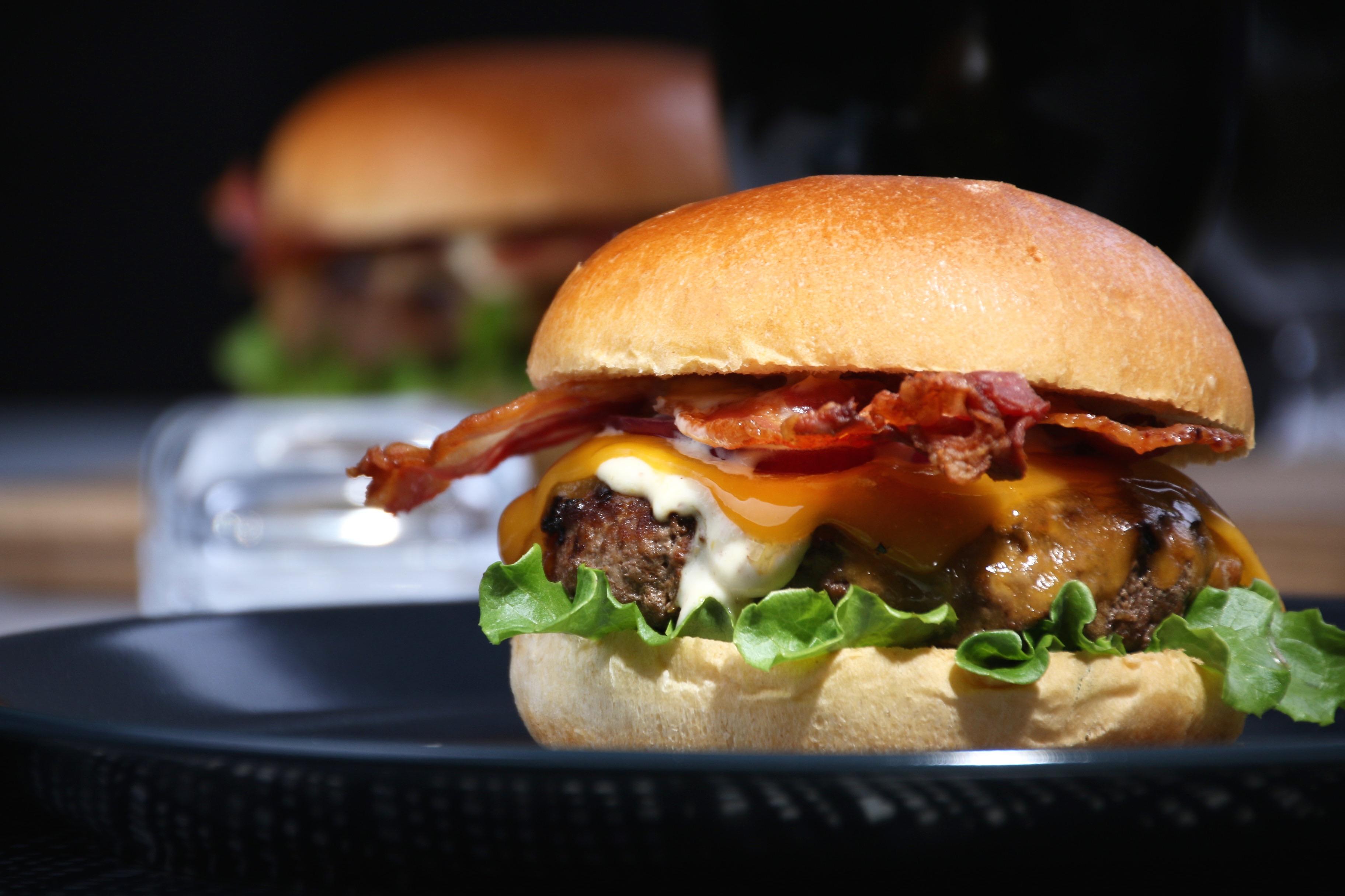 Bacon dressing till hamburgare