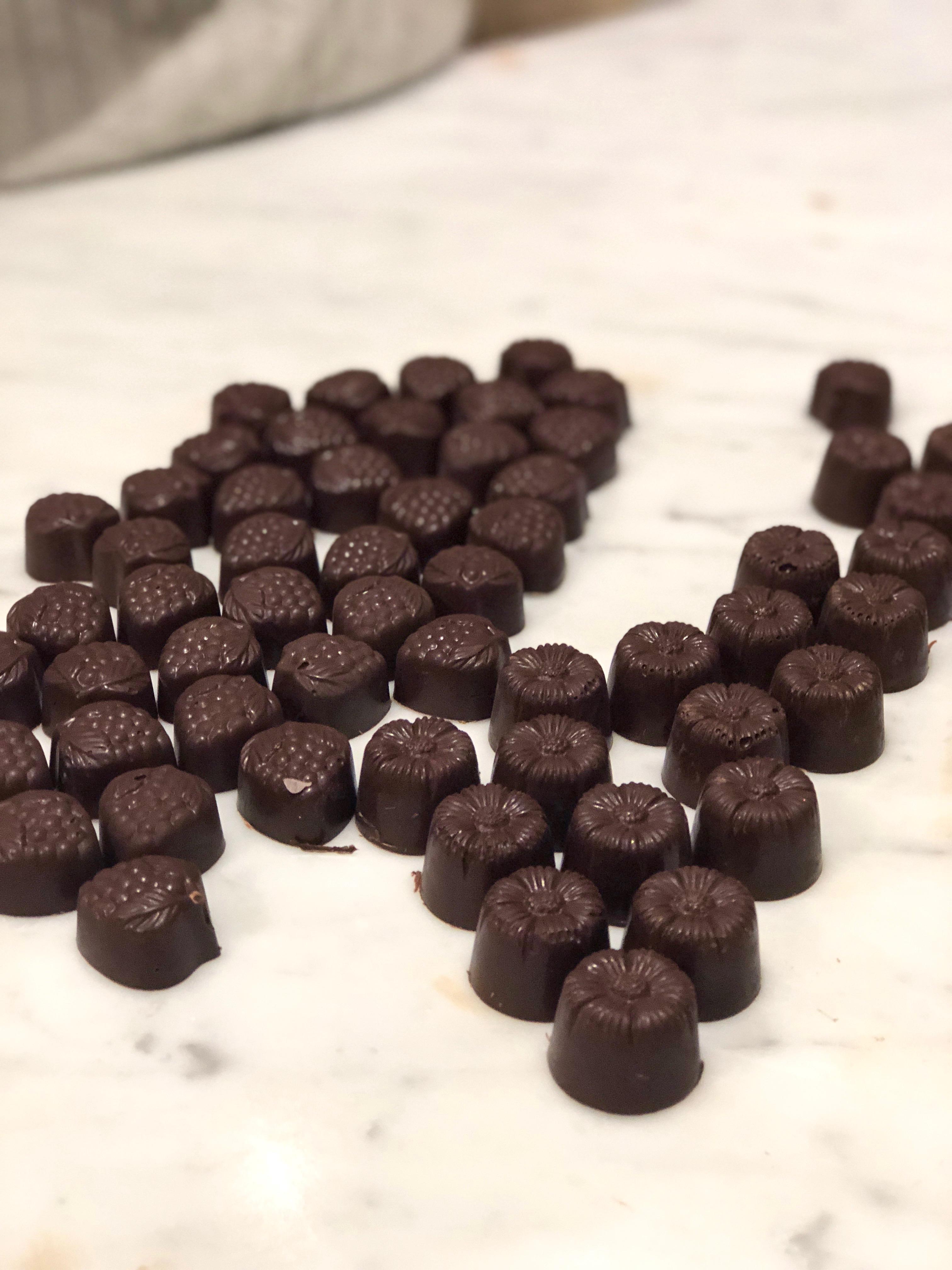 choklad för pralintillverkning