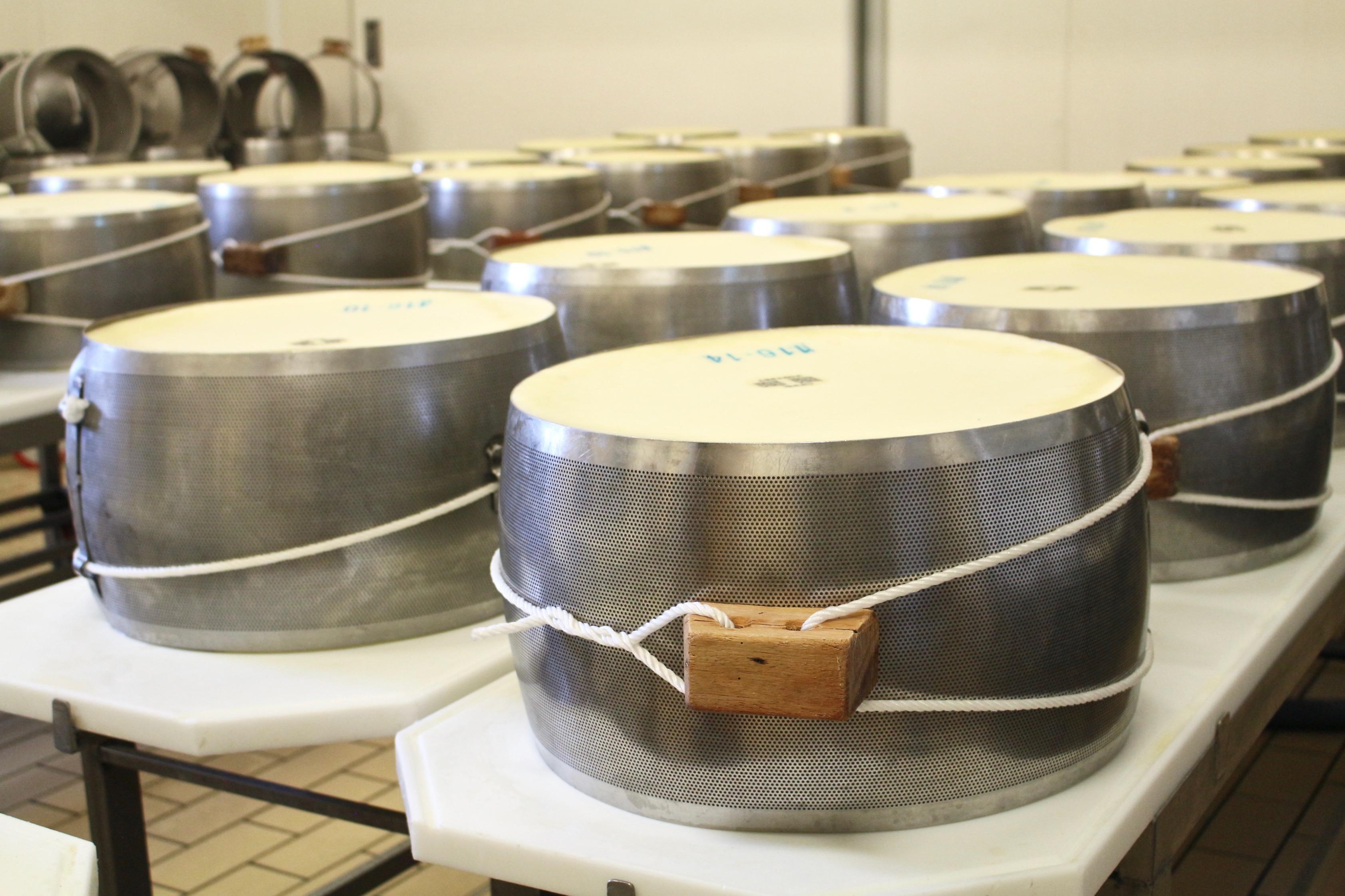 Parmigiano Reggiano metallkrage