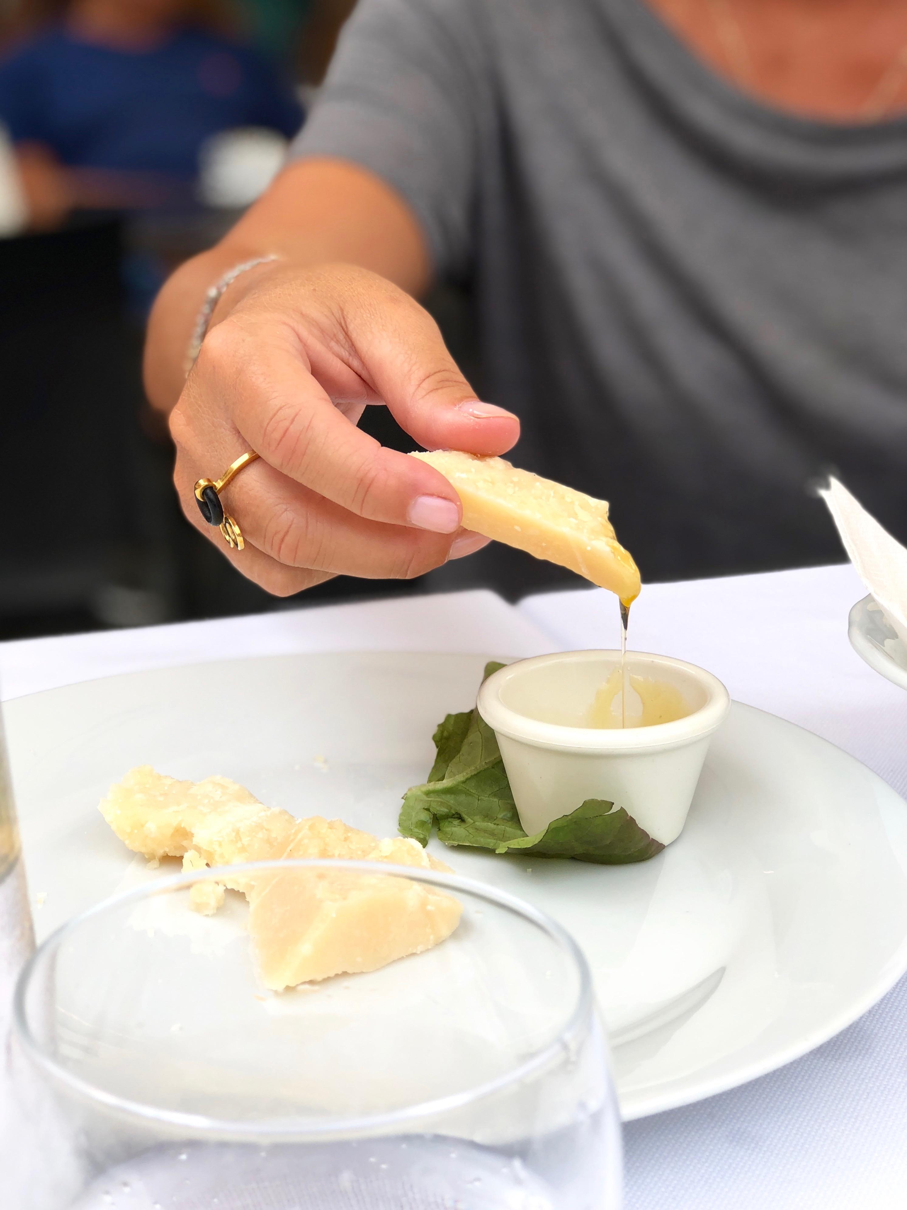 Parmigiano Reggiano med honung