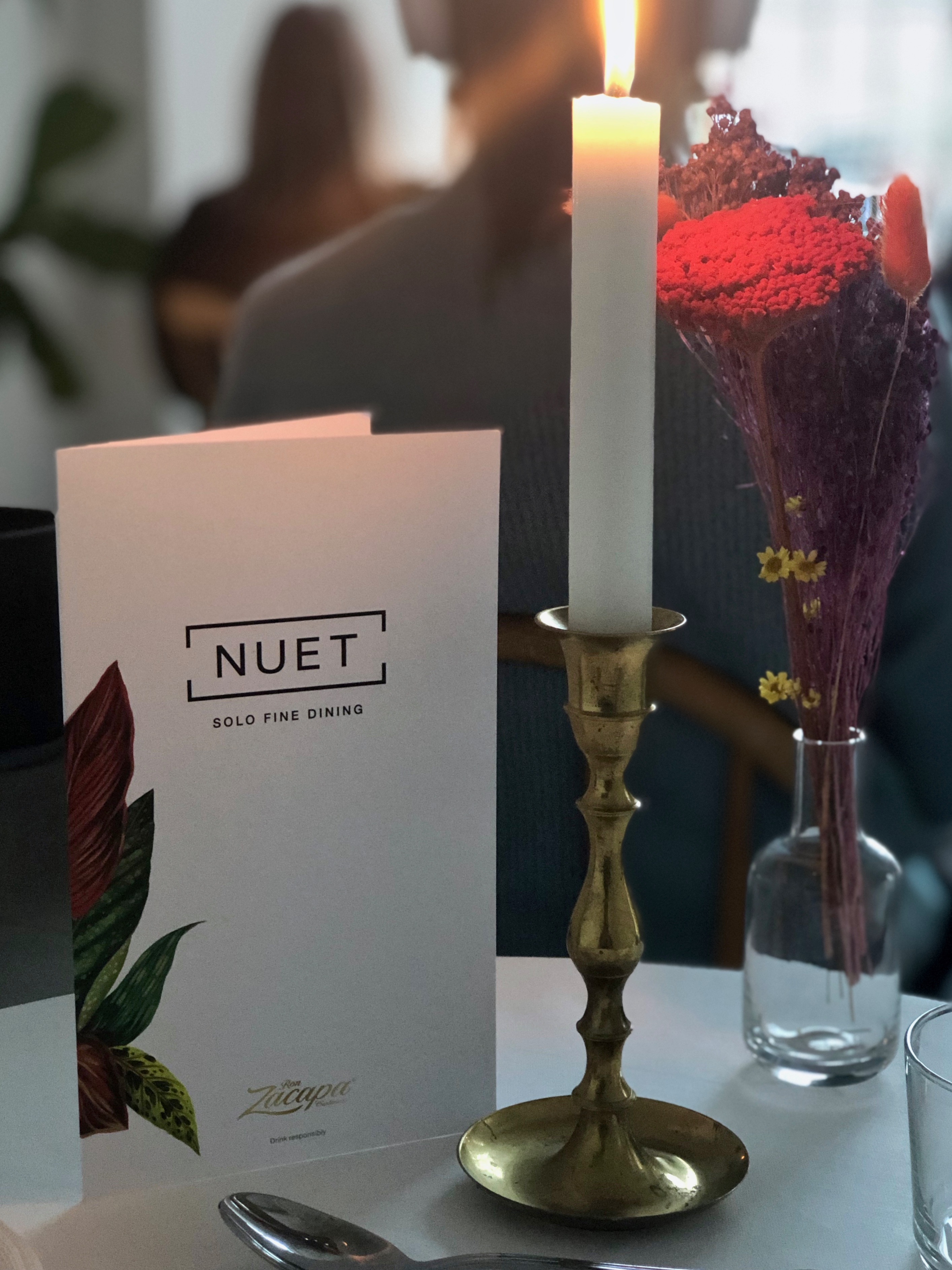 NUET solo dining